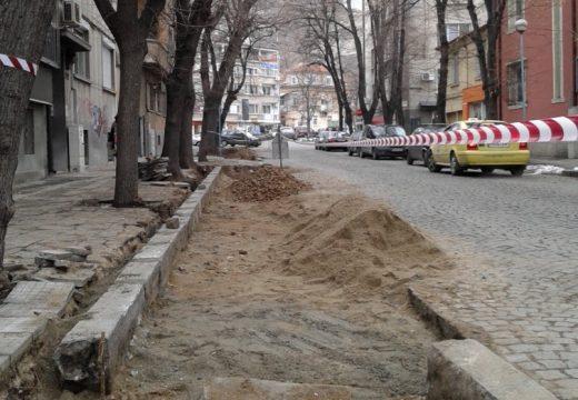 В Пловдив правят паркинг на улица без да предупредят живущите