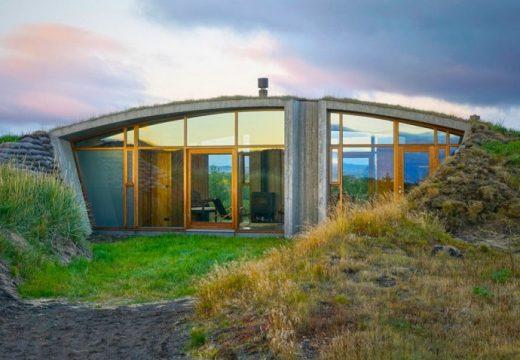 Изумителен дом под земята