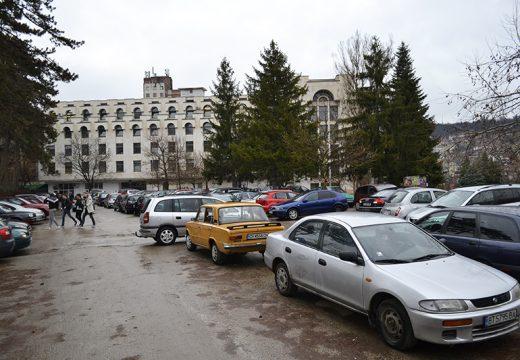Правят безплатен паркинг в центъра на Велико Търново