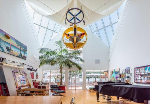 Ерик Клептън продава къща на плажа