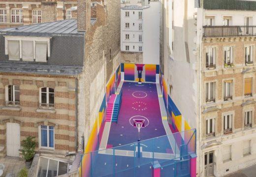 Цветна феерия краси парижко игрище