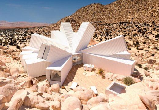 Къща с формата на искра се появи в средата на пустинята