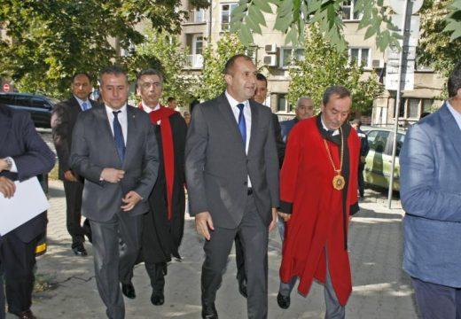 Президентът Румен Радев откри учебната година в УАСГ