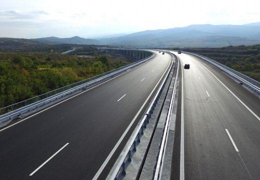 """Кресна настоява магистрала """"Струма"""" да премине през билото на дефилето"""