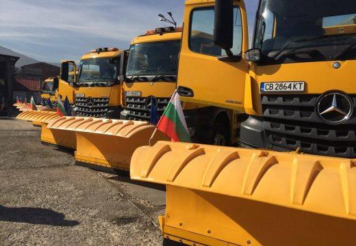 Фандъкова: Снегопочистващите фирми разполагат с достатъчно техника