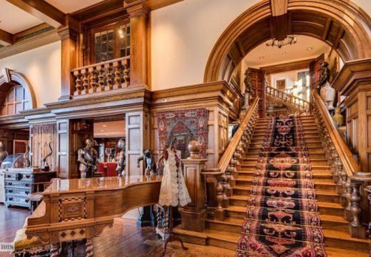 Продават мега луксозната вила на Брад Пит и Анджелина Джоли