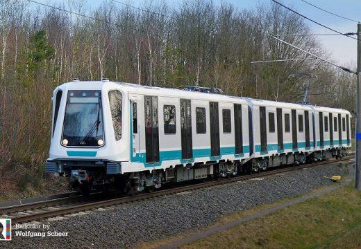 Новите влакове на метрото се движат без машинист