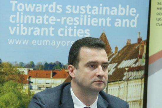"""Жечо Станков: Мерките за енергийна ефективност намаляват """"енергийно бедните"""""""
