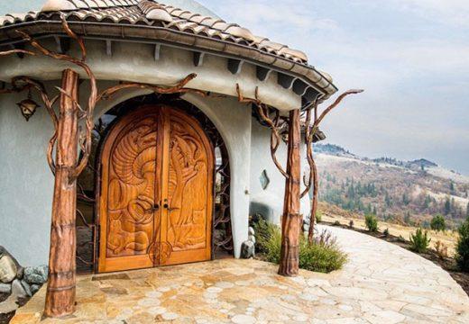 Зад вратите на тази къща се крие приказно царство