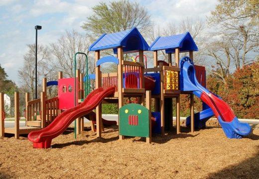 Построиха пет нови детски площадки във Варна