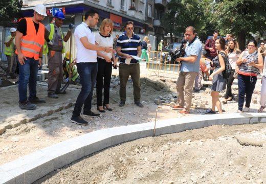 Слагат боклука в центъра на София под земята