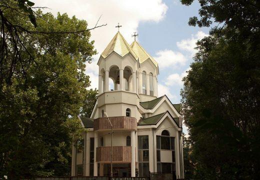 Фандъкова: Подпомагаме строителството и ремонта на пет църкви