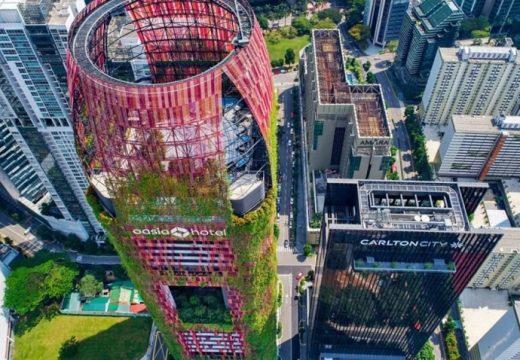 Тропически небостъргач изникна в Сингапур