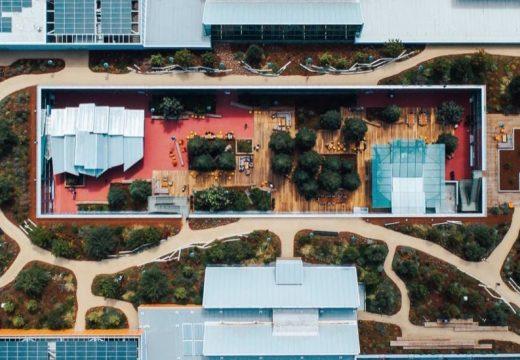 Facebook показа разширение към главната си сграда