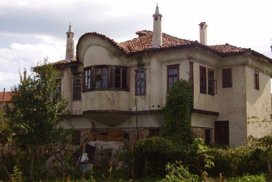 Реставрират уникалната къща от XIX век