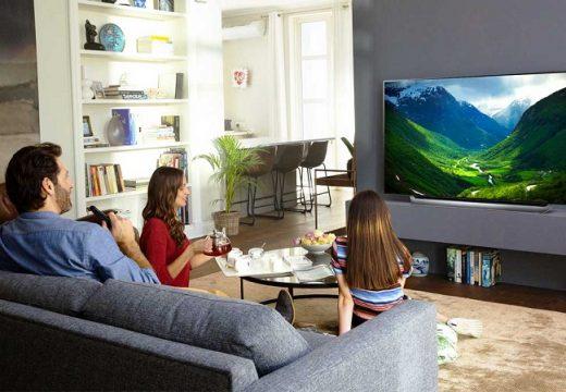 Телевизорът на българина порасна с 6 инча и е по-скъп с 250 лева