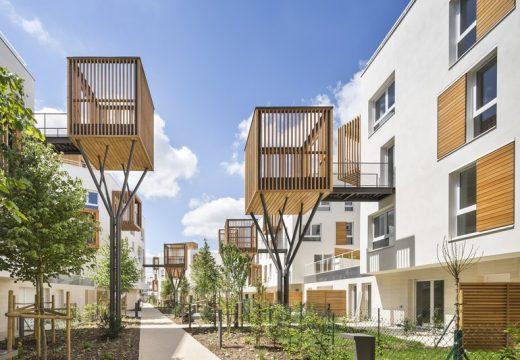 Френски квартал се изпълни с дървени тераси