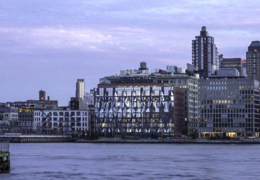 Стара захарна фабрика в Бруклин става на офис сграда