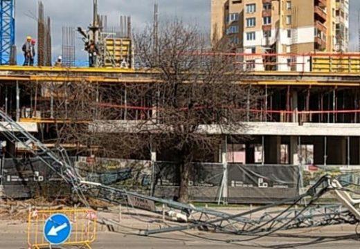 ДНСК разследва падналия строителен кран в София