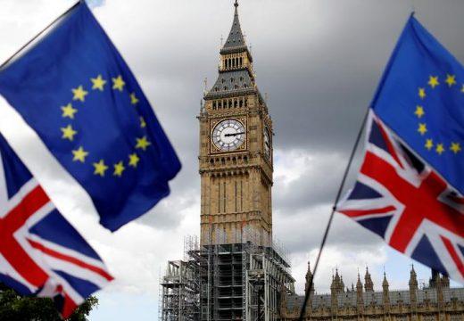 Брекзит спира строителството за втори пореден месец