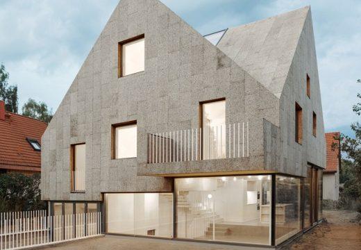 Къща е изцяло облицована с корк за изолация