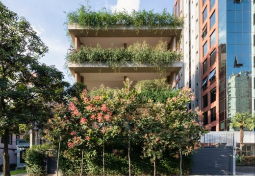 Архитектурно студио превърна жилищна сграда в зелен оазис