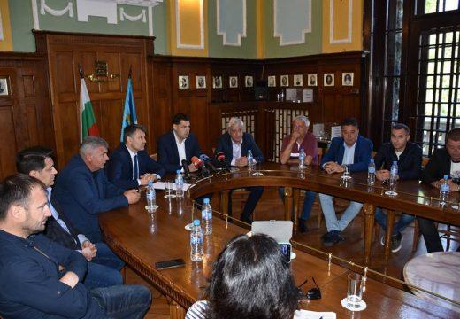 Пловдивските футболни клубове искат нов стадион