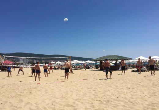 Осем нови волейболни игрища има на плажа в Слънчев бряг