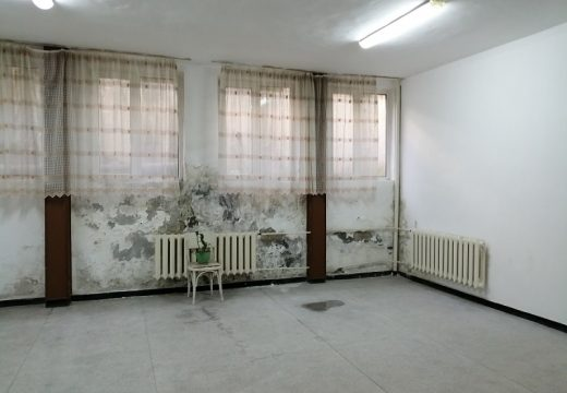 Обновяват се две отделения на болницата в Трявна