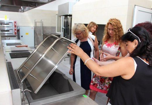 Влагат 9 млн. лева в бургаските професионални гимназии