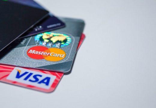 Нова измама: Точат дебитната ни карта от джоба!