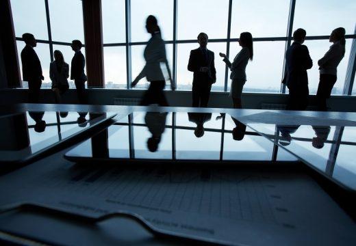 Инвестициите вбизнес имоти са намалели със 77%
