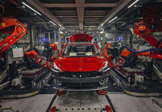 Илон Мъск строи нов завод на Tesla в Германия