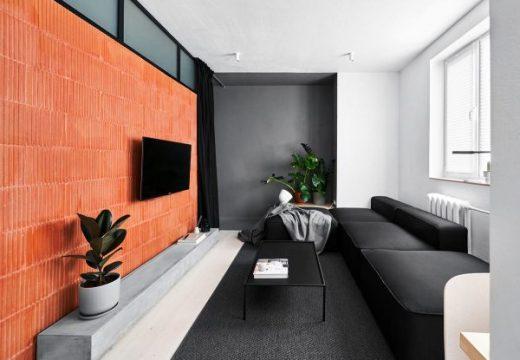 Малки апартаменти с елегантна черно-бяла и дървена декорация