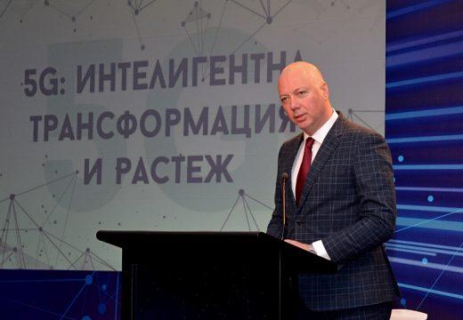 """Министър Желязков: През 2020 г. в България ще има """"умни"""" градове"""