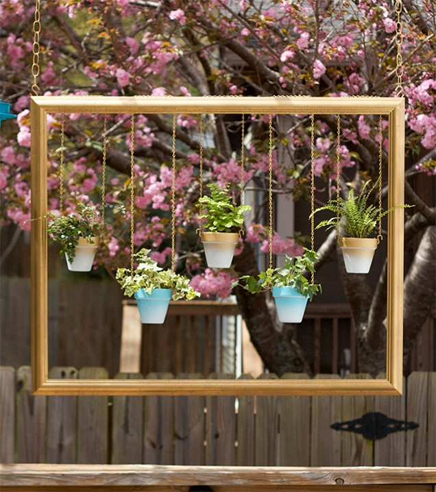 fabartdiy-DIY-Picture-Frame-Hanging-Planter-Tutorial