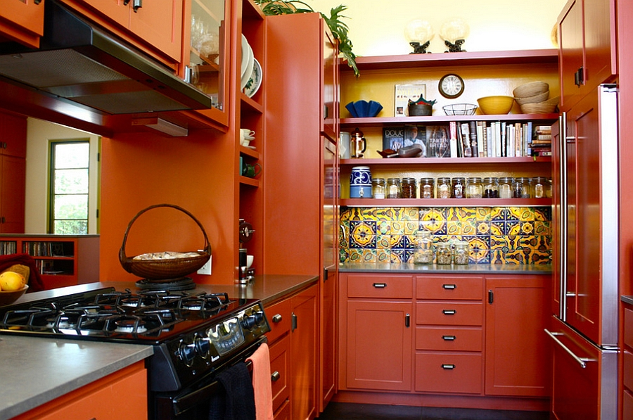 Small-Mediterranean-kitchen-idea