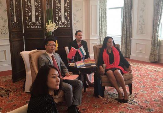 Лиляна Павлова се среща с ръководството на китайска строителна фирма