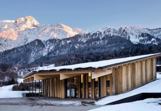 Построиха офис на върха на Алпите