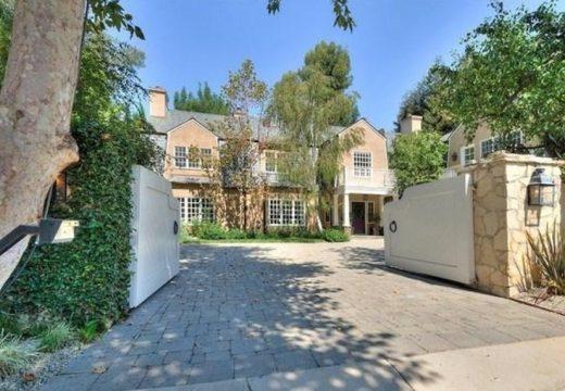 Адел си купи имение за 9.5 млн. долара