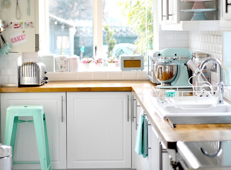 pastel-interiors-kitchen-appliances
