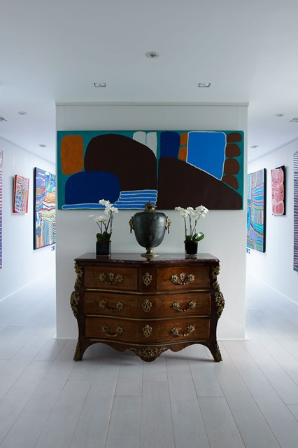 paul-massey-gallery-walls-house-13-10jul14_b_426x639