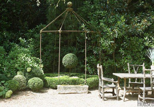 Детайли в градината