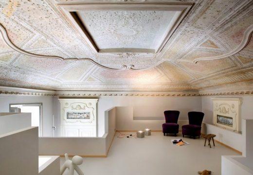 Италиански апартамент дава урок по съчетаване на модерно с класическо
