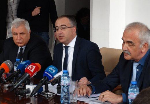Министър Занчев: Няма да допуснем през медиите да се печелят процедури в БДЖ