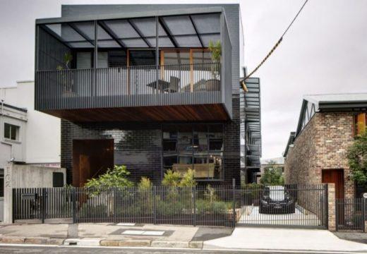 Склад в Сидни е преобразен в индустриално-шикозен дом
