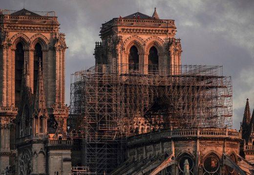 Архитекти: Нотр Дам ще се ремонтира с десетилетия