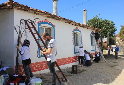 Фестивал на цветовете се проведе в Ивайловград