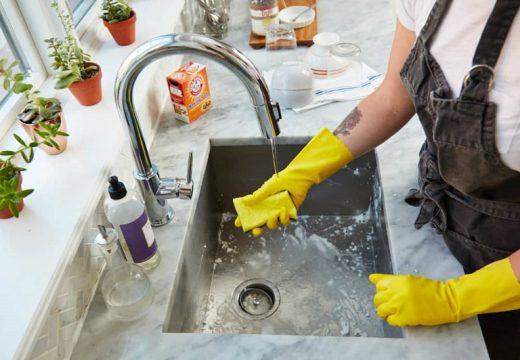 Колко време от живота си прекарваме в домакинска работа?