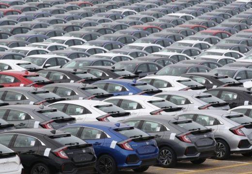 Спряхме да купуваме нови коли